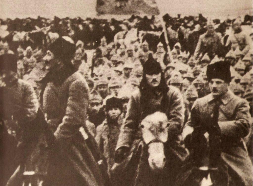 Armia Konna Budionnego dopuściła się wielu zbrodni na pojmanych polskich oficerach i podoficerach (domena publiczna).