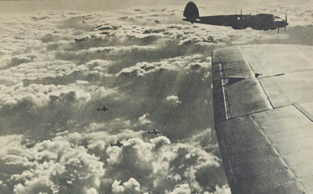 Bombowce Heinkel He 111 nad Dęblinem.