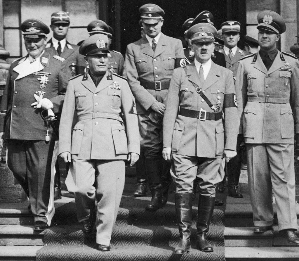Zamorski nie miał dobrego zdania na temat wyglądu Hitlera, ale dostrzegał kryjące się w nim zło (domena publiczna).