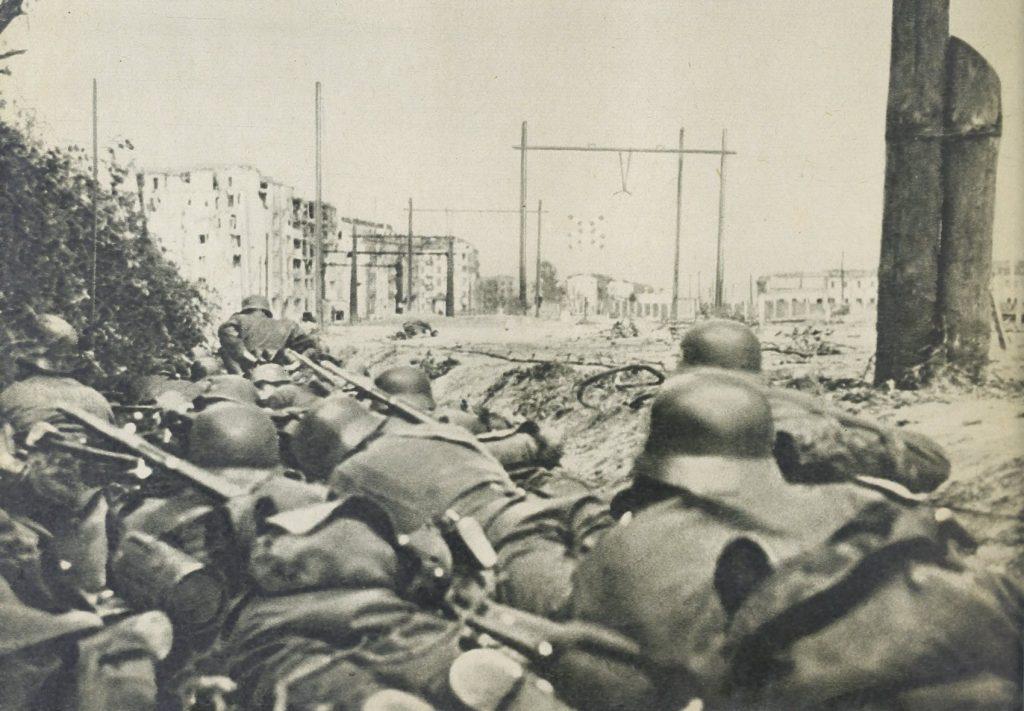 Niemiecka piechota w czasie walk o Warszawę