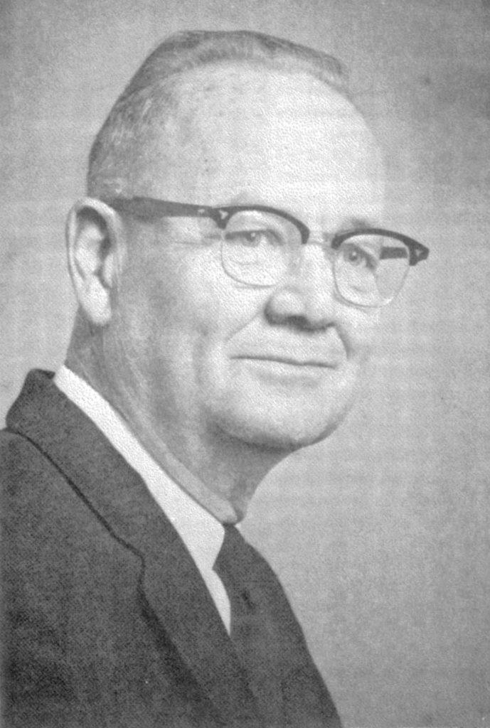 """Harold Manville Skeels. Fotografia portretowa zamieszczona przez """"Journal of Special Education"""" w 1976 roku."""