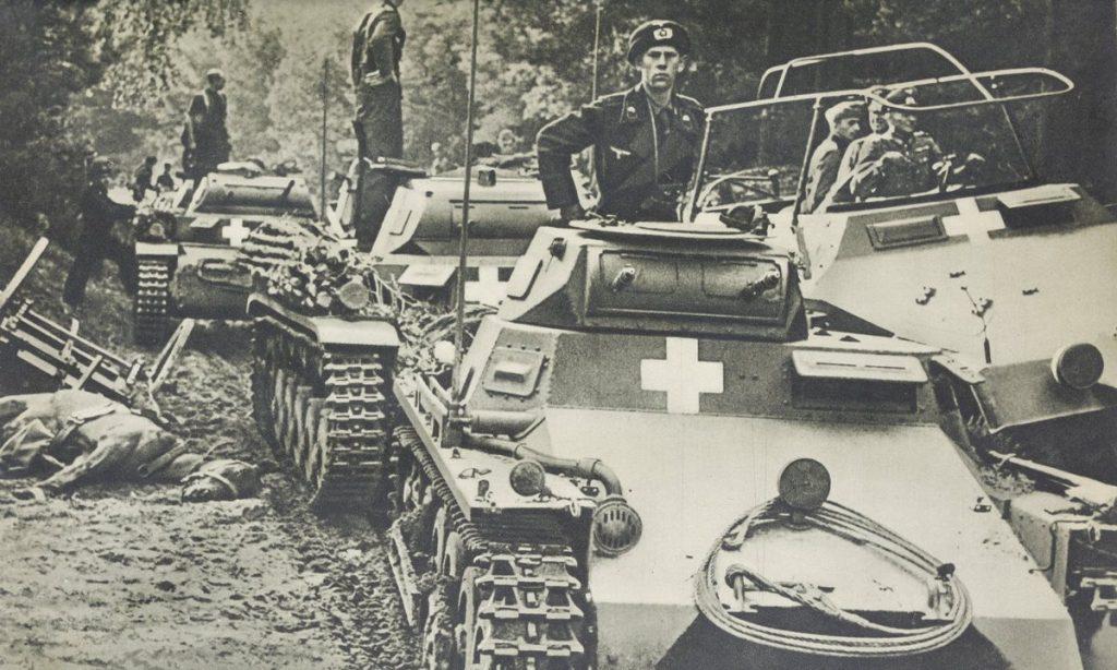 """W Borach Tucholskich niemieckie jednostki pancerne zadały ciężkie straty oddziałom Armii """"Pomorze"""". Zdjęcie poglądowe."""
