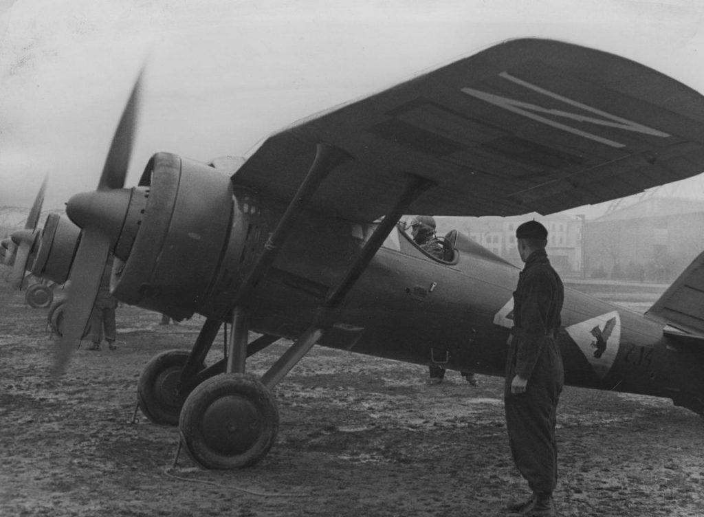 Myśliwce PZL P.11c. Właśnie taką maszyną latał Stanisław Skalski we wrześniu 1939 roku (domena publiczna).