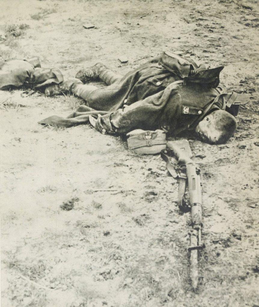 W wrześniu i październiku 1939 roku w walkach z Niemcami zginęło ponad 67 000 polskich żołnierzy (domena publiczna).