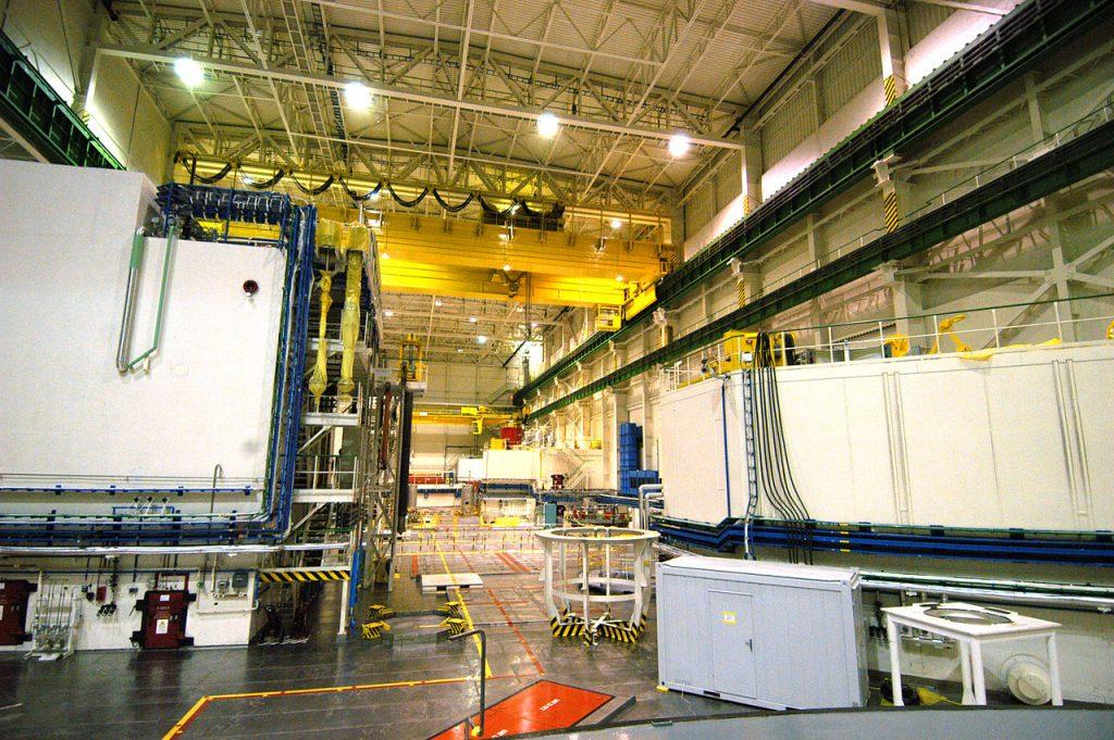 Hala reaktora WWER w elektrowni Mochovce na Słowacji. Właśnie taki mógł trafić do Czarnobyla (IAEA Imagebank/CC BY-SA 2.0).
