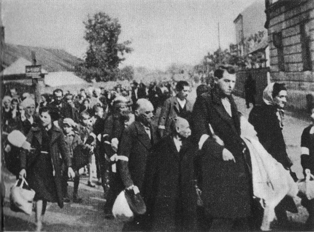 Deportacja Żydów z rzeszowskiego getta do obozu w Bełżcu.