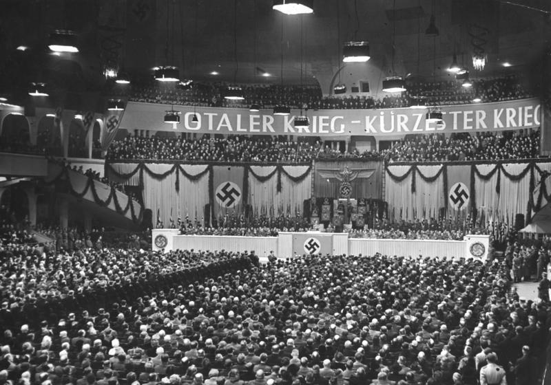 Przemówienie Goebbelsa w Pałacu Sportu (Bundesarchiv/Schwahn/CC-BY-SA 3.0).