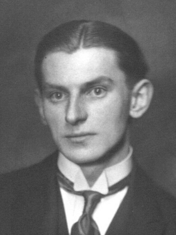 Edmund Wojciechowski na zdjęciu z początku lat 30. XX wieku (domena publiczna).