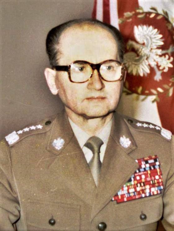 Generał Wojciech Jaruzelski 13 grudnia 1981. Według rosyjskich materiałów to on był największym zwolennikiem zbrojnej rozprawy z Solidarnością (fot. domena publiczna)