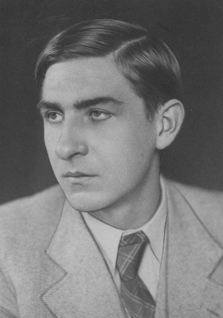 Karol Estreicher na zdjęciu z 1937 roku (domena publiczna).