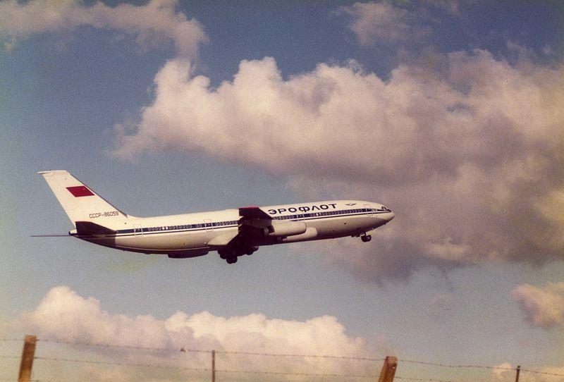 """Choć o samolotach Ił mówiono: """"chcesz być pyłem, lataj iłem"""", popyt na tanie bilety sprzedawane przez Aerofłot był olbrzymi (MercerMJ/CC BY-SA 2.0)."""