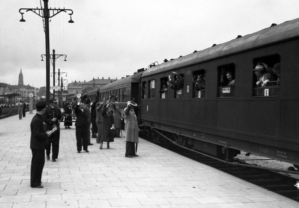 Bilety kolejowe w przedwojennej Polsce zdecydowanie nie należały do tanich (domena publiczna).