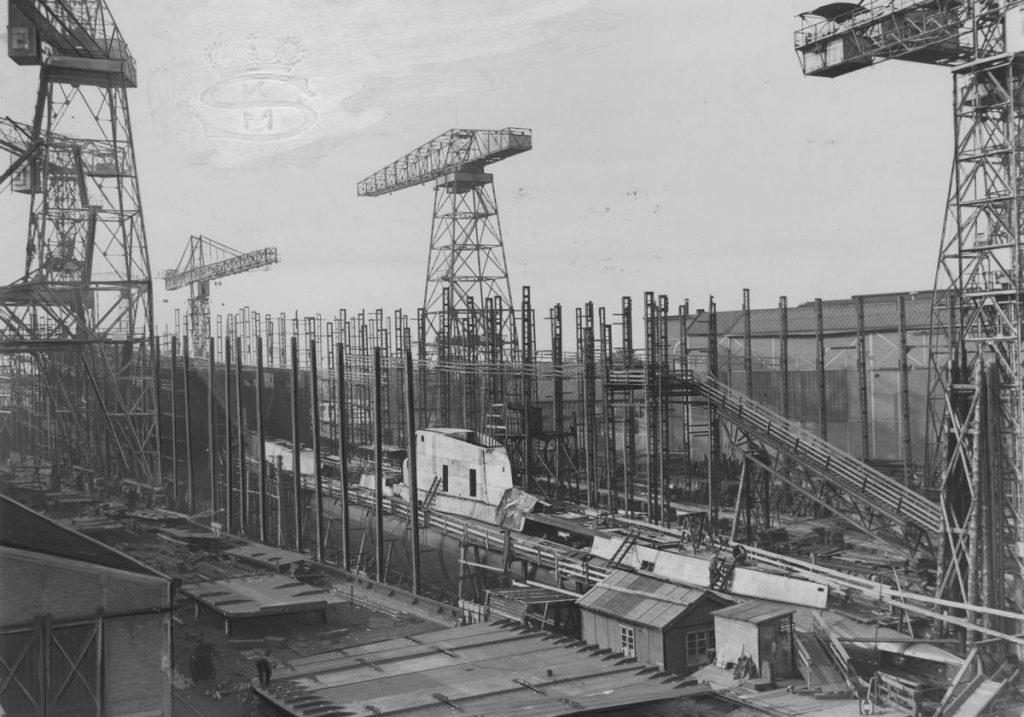 ORP Sęp w trakcie budowy. Zdjęcie z 1937 roku (domena publiczna).