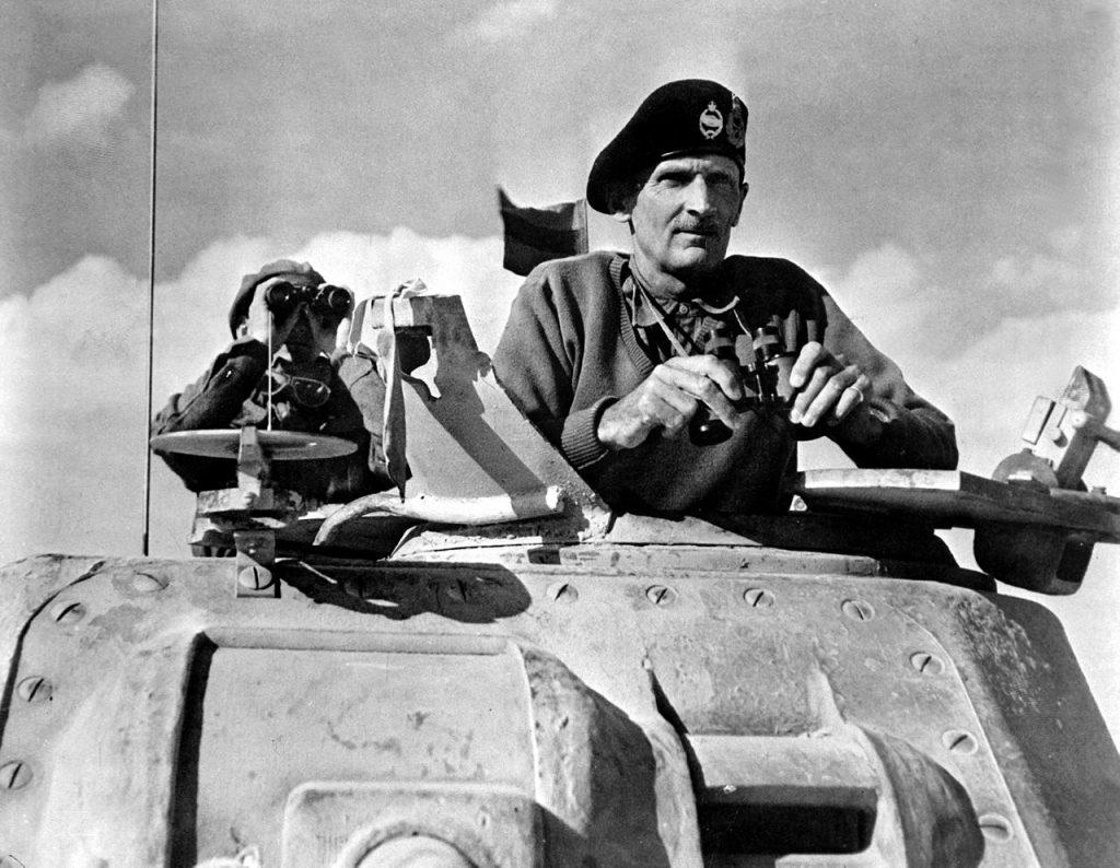 Montgomery już jako dowódca 8 Armii. Listopad 1942 roku (domena publiczna).