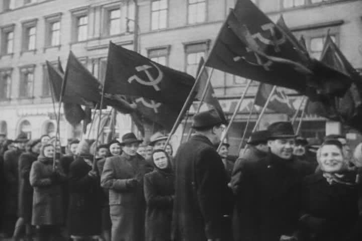 Prokomunistyczna demonstracja w jednym z czeskich miast (domena publiczna).