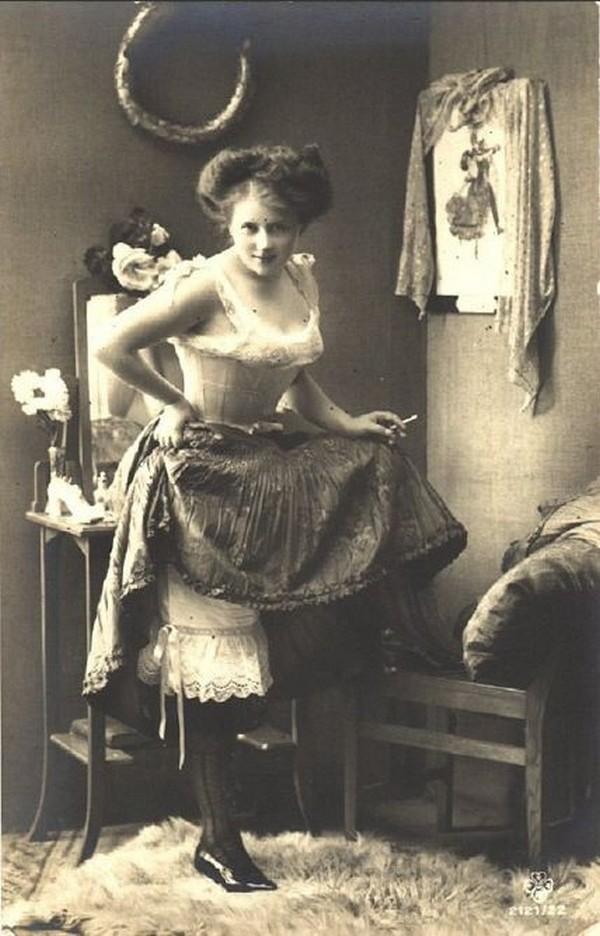Prostytutki miały również lepkie rączki (domena publiczna).