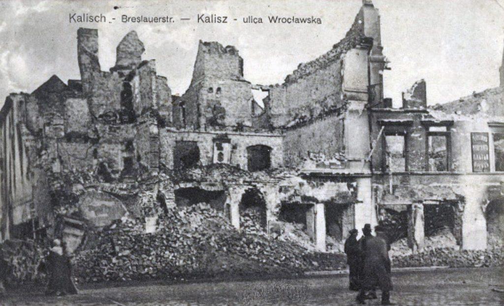 Z Kalisza pozostały tylko ruiny (domena publiczna).
