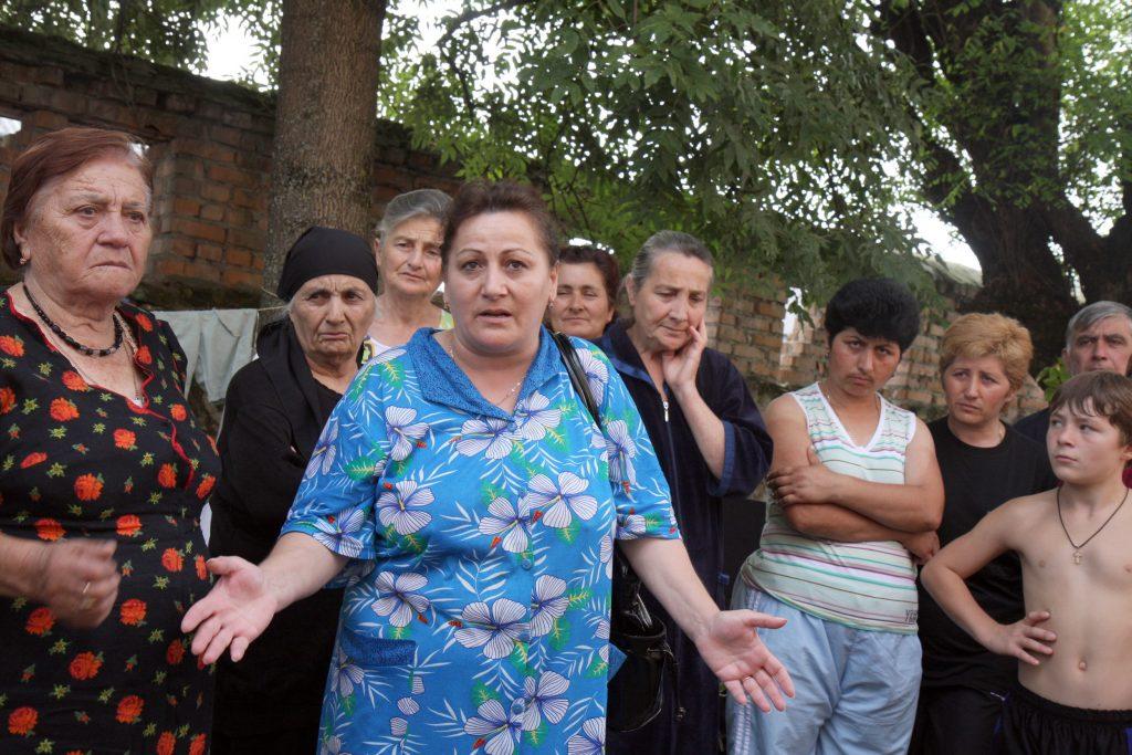 Uchodźcy z Osetii Południowej w obozie dla uchodźców w Alagirze, Osetia Płn., Rosja (for. domena publiczna)