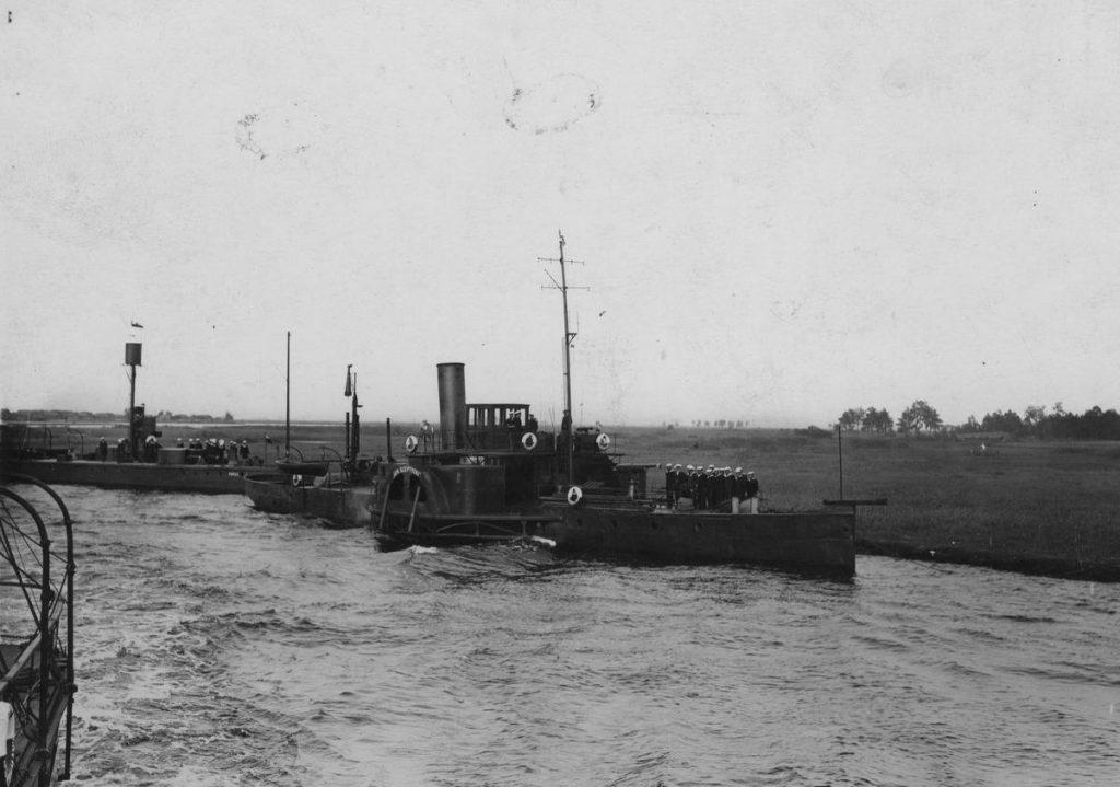 Jednostki Floty Pińskiej (domena publiczna).