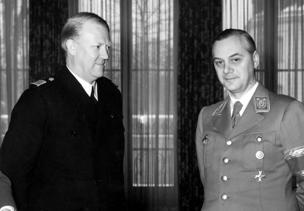 Vidkun Quislinga z wizytą u swojego nazistowskiego protektora Alfreda Rosenberga (domena publiczna).