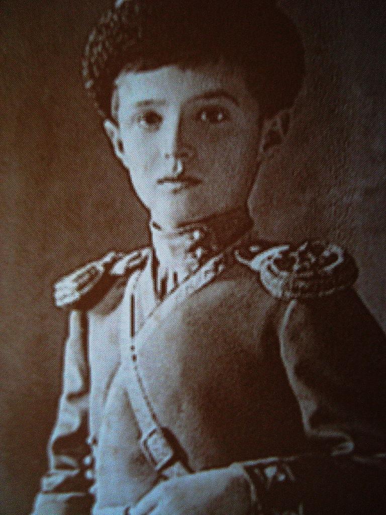 Carewicz Aleksy na zdjęciu z 1911 roku (domena publiczna).