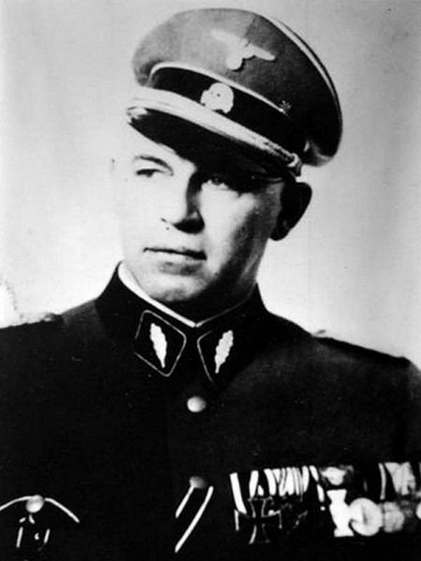 Tropieniem homoseksualistów w III Rzeszy zajmowała się specjalna komórka, której przewodził SS–Obersturmführera Josefa Meisinger (domena publiczna).