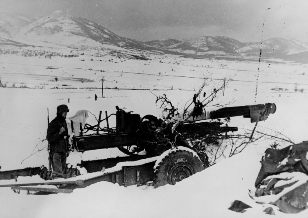 Nie da się ukryć, że zima 1941 roku była sroga jednak temperatury na pewno nie spadały do -40 czy -50 stopni (domena publiczna)