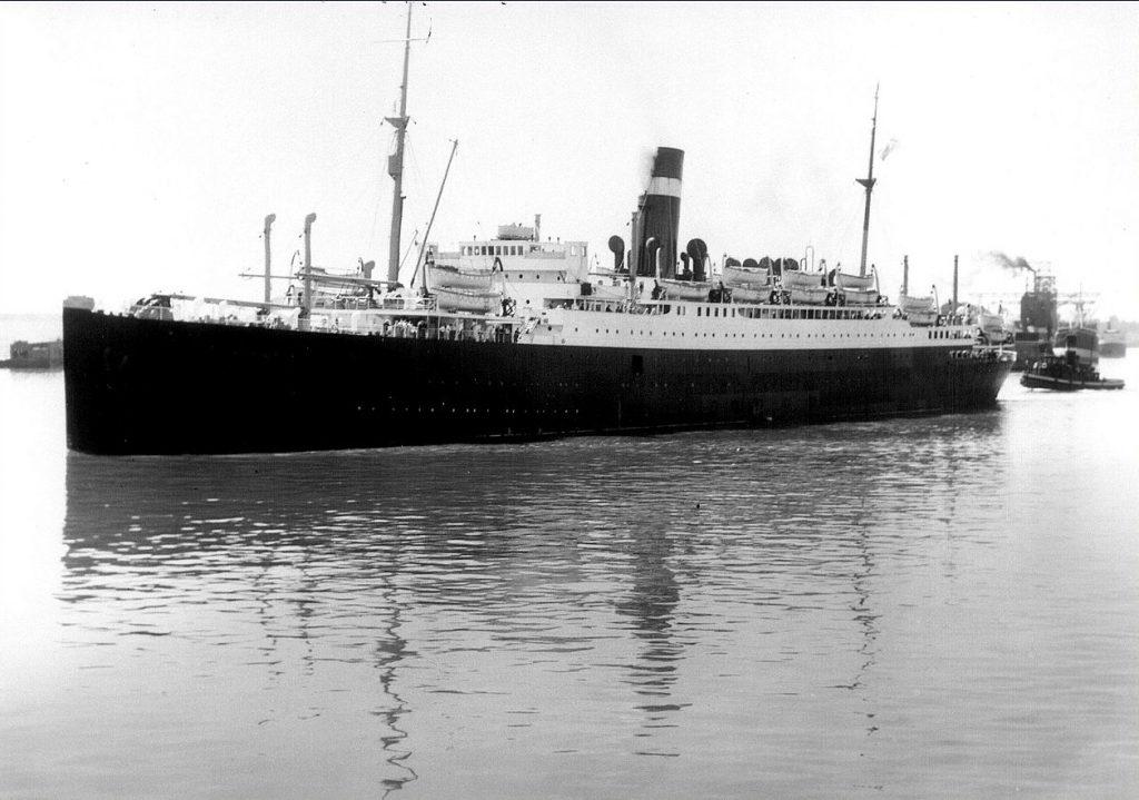"SS ""Athenia"" na zdjęciu z 1933 roku (Clifford M. Johnston /domena publiczna)."