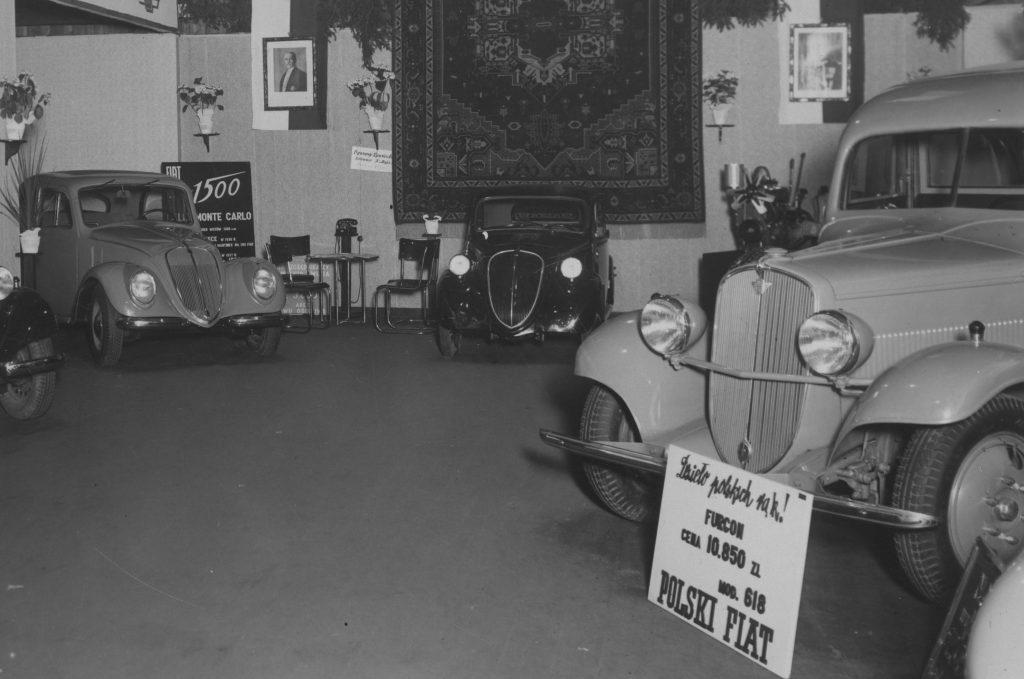 W przedwojennej Polsce tylko garstkę ludzi było stać na kupno i utrzymani samochodu (domena publiczna).
