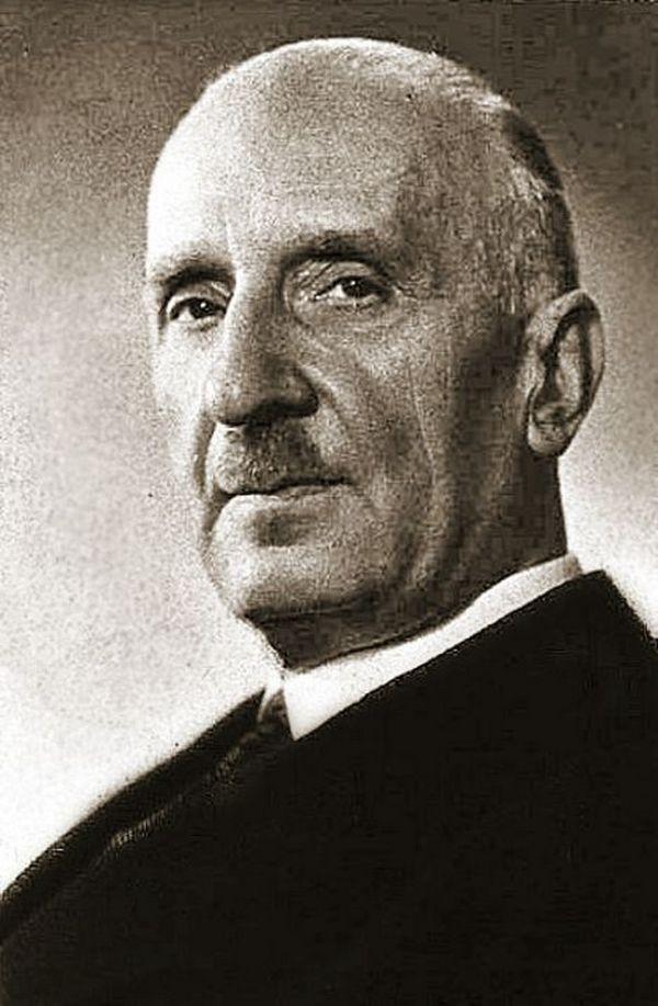 Adam Ronikier na zdjęciu z lat 30. XX wieku (domena publiczna).