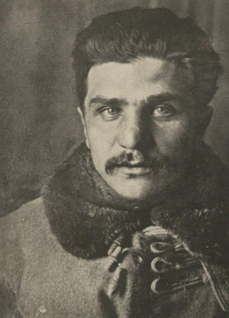 Atakiem polskiej kawalerii na Wilno dowodził podpułkownik Władysław Belina-Prażmowski. Tutaj na zdjęciu z okresu I wojny światowej (domena publiczna).