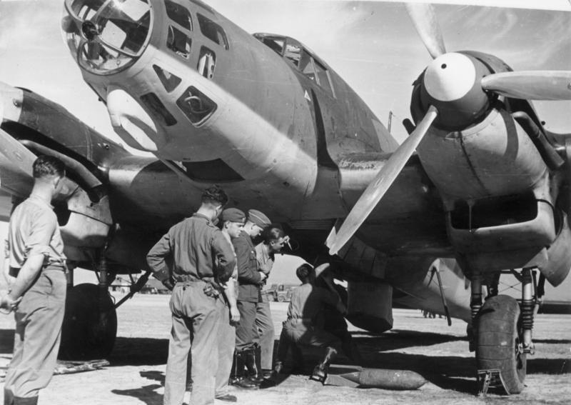 Heinkel He 111 Legionu Condor na zdjęciu z 1939 roku (Bundesarchiv//CC-BY-SA).