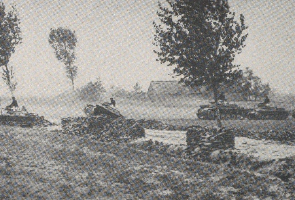 Jednostki niemieckiej 4 Dywizji Pancernej czekała twarda przeprawa pod Mokrą. Zdjęcie poglądowe (domena publiczna).