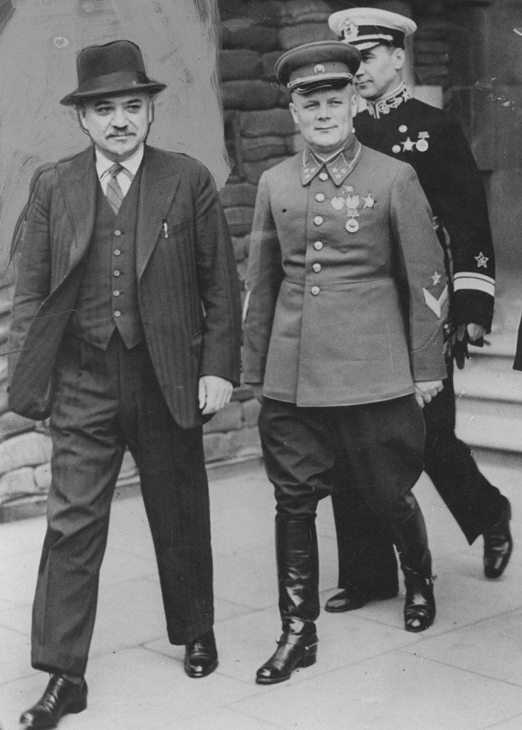 Majski (pierwszy od lewej) jasno dał do zrozumienia Brytyjczykom, że nie ma mowy o żadnym sojuszu (domena publiczna).