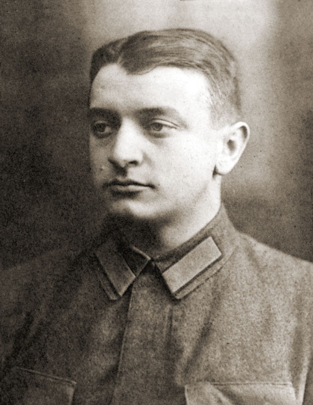 Michaił Tuchaczewski na zdjęciu z lat 20. (domena publiczna).