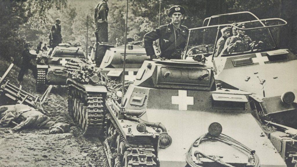 Niemieckie oddziały pancerne podczas inwazji na Polskę (domena publiczna).