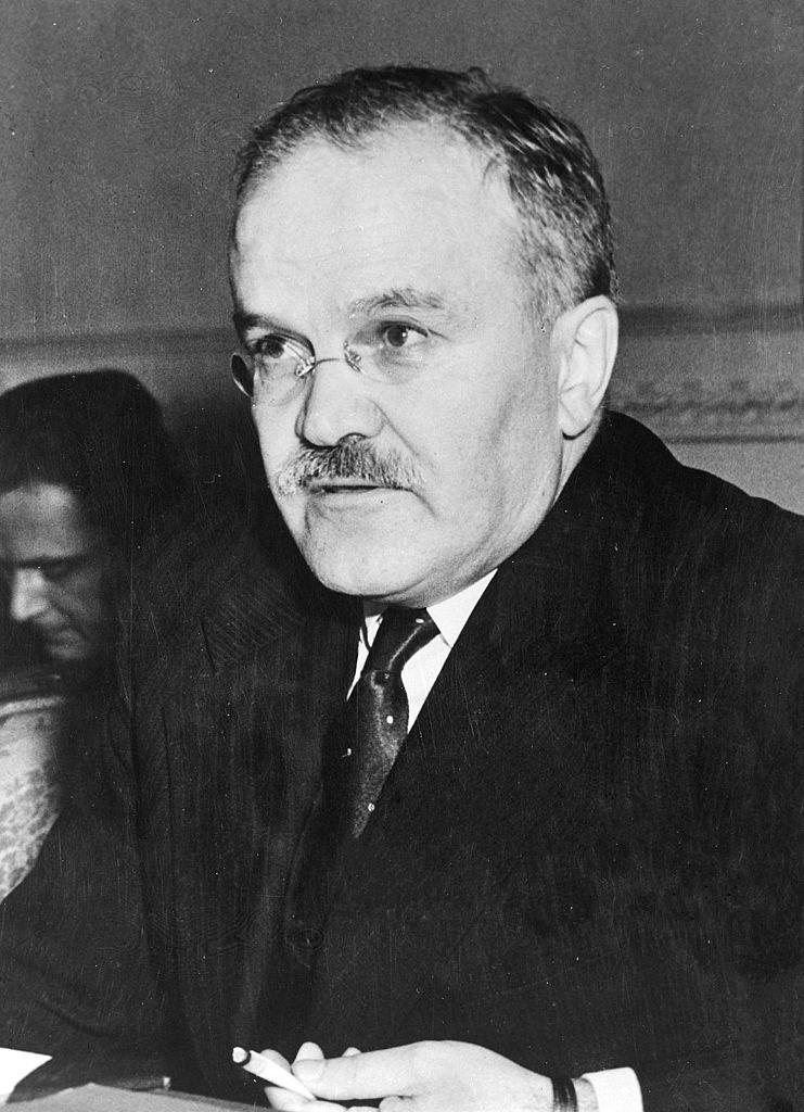Już pierwsze oficjalne spotkanie z Mołotowem jasno pokazało, że Sowieci nie chcą zmieniać sojusznika (domena publiczna).