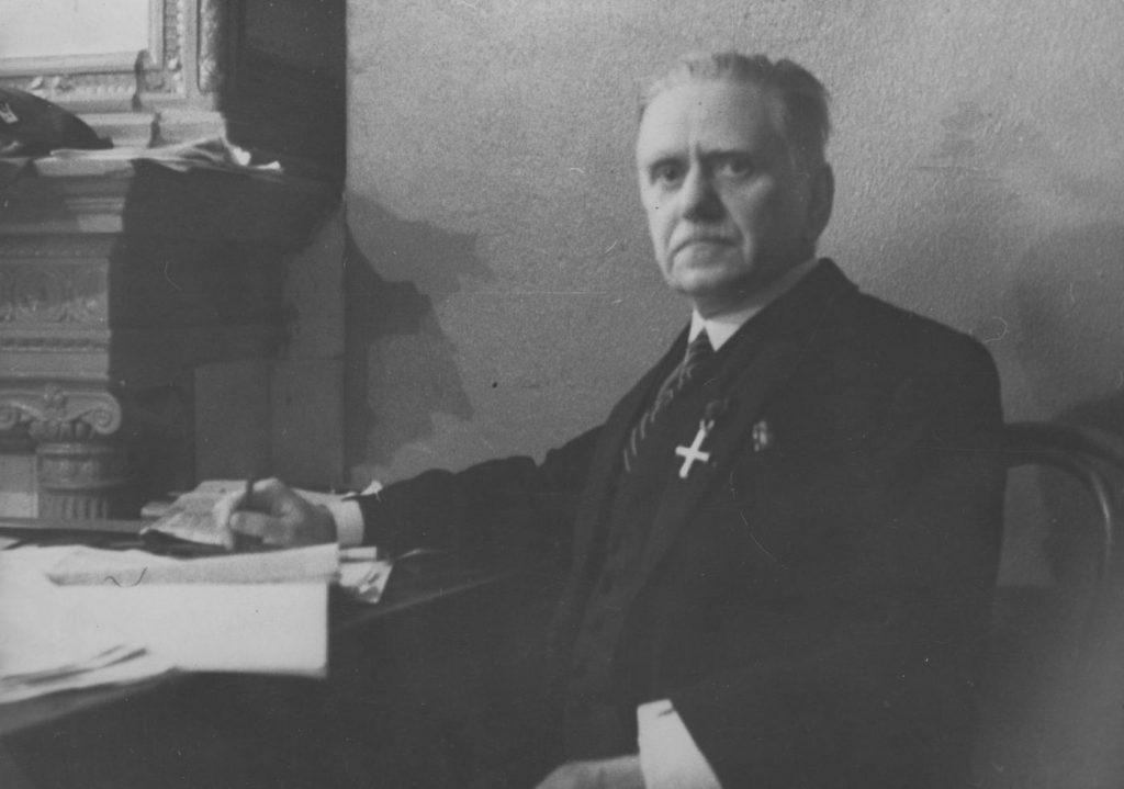 Władysław Studnicki na zdjęciu z okresu międzywojennego (domena publiczna).