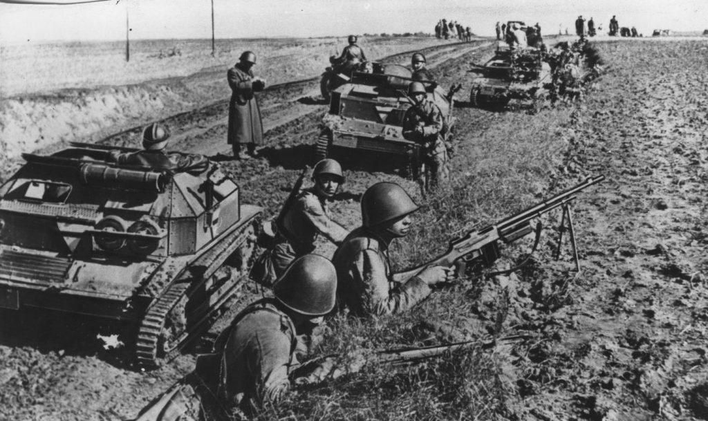 Takie tankietki TKS brały udział w zdobywaniu wzgórza 324. Ilustracja poglądowa (domena publiczna).