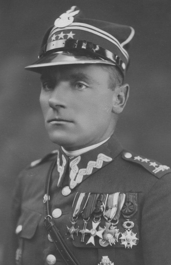 Dowódca 11 Karpackiej Dywizji Piechoty pułkownik Bronisław Prugar-Ketling (domena publiczna).