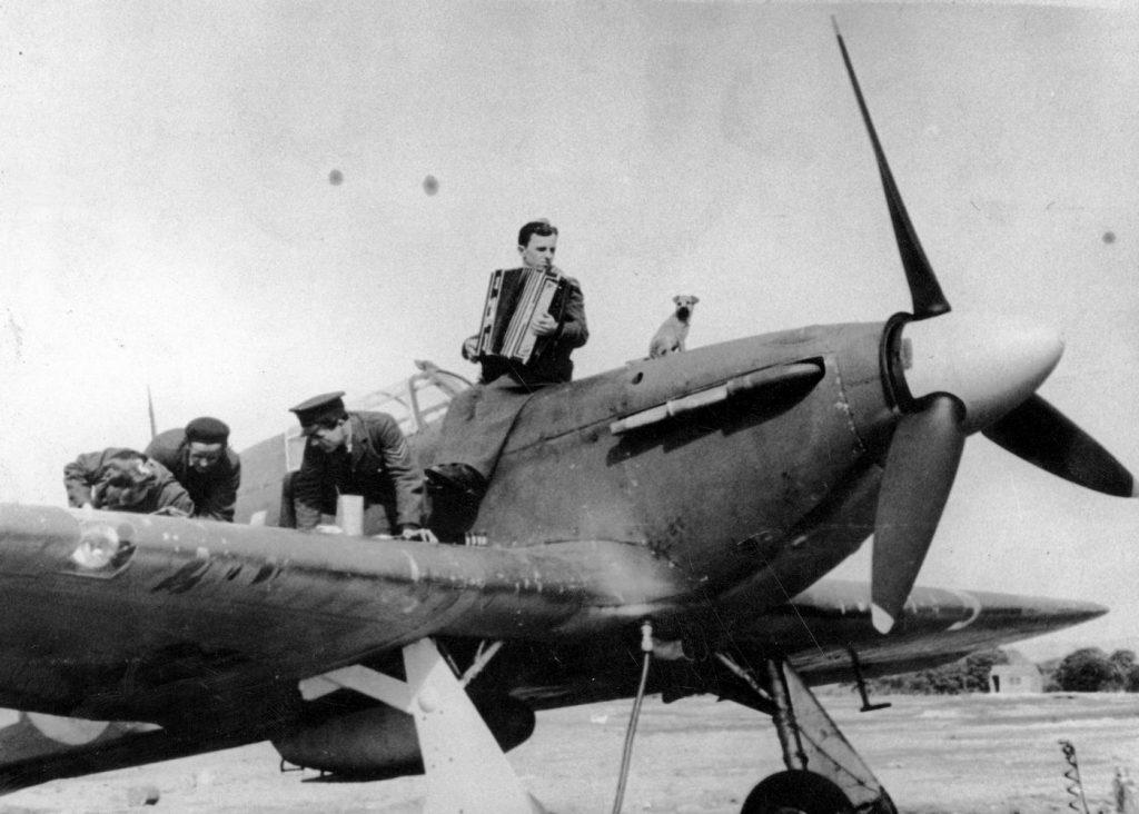 Jeden z samolotów Hawker Hurricane na których w Anglii latali polscy piloci (domena publiczna).