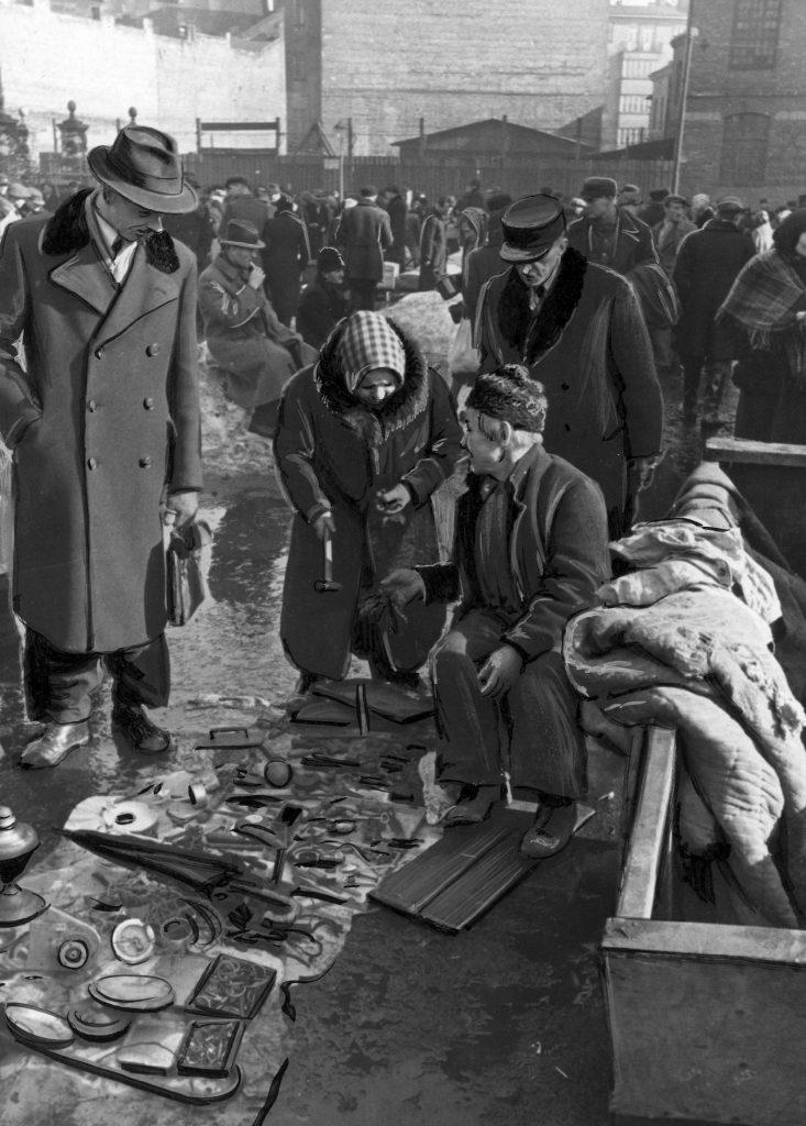 Obliczenie inflacji z okresu II wojny światowej jest niemożliwe. Ceny oficjalnie bowiem  nijak miały się do tych czarnorynkowych (domena publiczna).