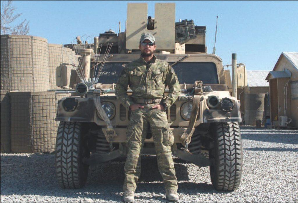 Puwal na zdjęciu z okresu misji w Afganistanie. Fotografia z książki Operator 594 (materiały prasowe).
