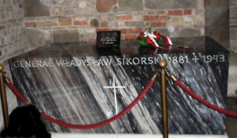 Sarkofag generała Władysława Sikorskiego na Wawelu (Jurek281/CC BY-SA 3.0).