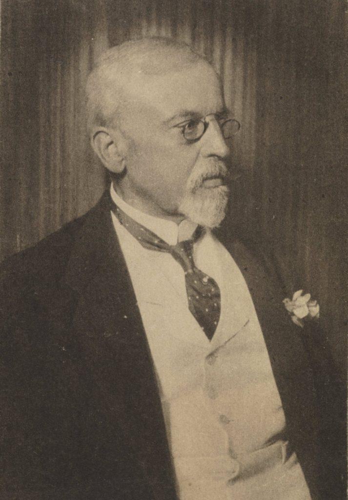 Zdjęcie Henryka Sienkiewicza wykonane w ostatnim okresie jego życia (domena publiczna).
