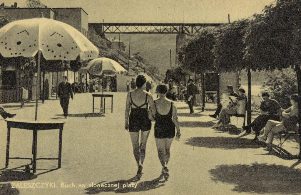 Zaleszczyki stały się modnym kurortem już w latach 20. XX wieku. To zdjęcie zostało wykonane zapewne kilka lat przed wybuchem II wojny światowej (domena publiczna).