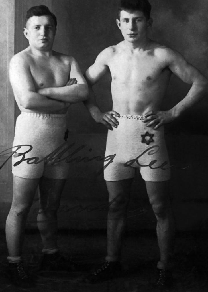 Bracia Sanders – Bram (po lewej) i Leen (po prawej). Zdjęcie i podpis z książki Gladiatorzy z obozów śmierci (materiały prasowe).