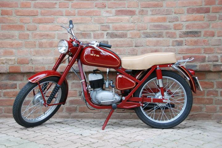 Motocykl WFM M06 z 1961 roku (Kglodz/CC BY-SA 4.0).