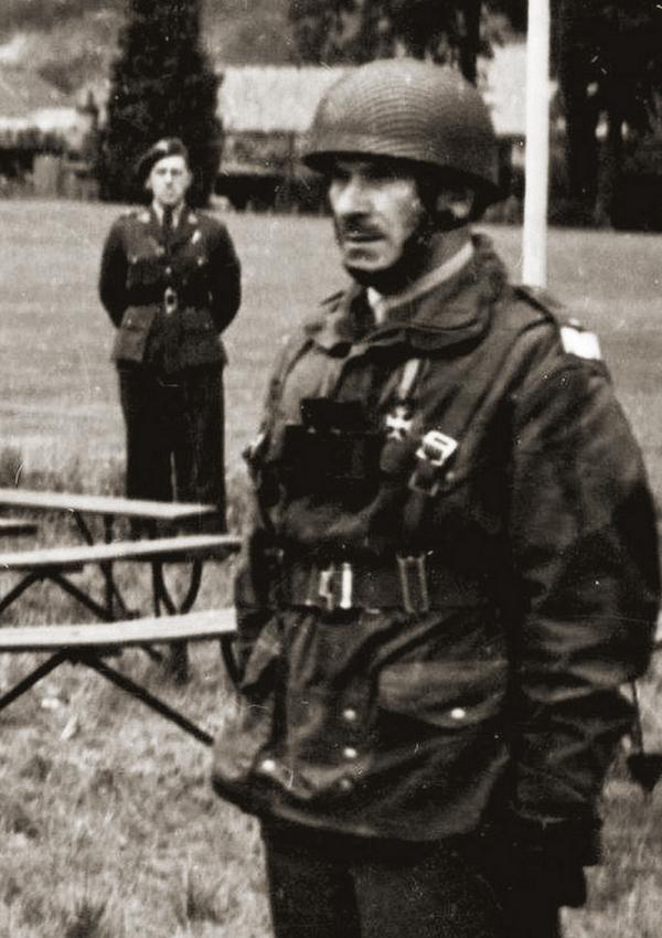 Stanisław Sosabowski na zdjęciu wykonanym w 1943 roku (domena publiczna).