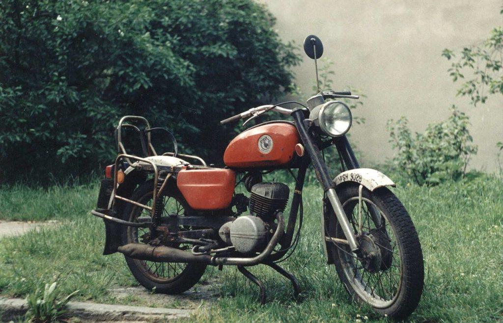 W latach 1971`-1985 wyprodukowano niemal 660 tysięcy motocykli WSK M06B3 (Ss181292/domena publiczna).